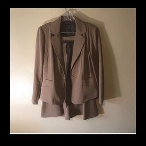 Courtenay tan pinstriped skirt suit 10P